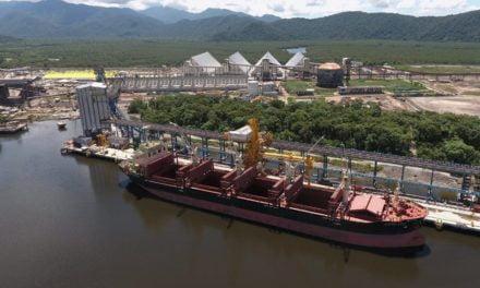 Projeto de R$ 2,7 bilhões, Tiplam embarca seu 1º navio de milho