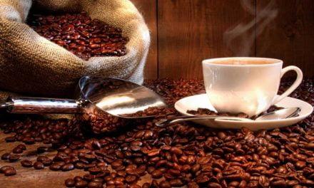 Importação brasileira de café faz oscilarem as curvas futuras