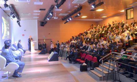 Conferência em São Paulo destaca a produção sustentável de café no Brasil à imprensa internacional