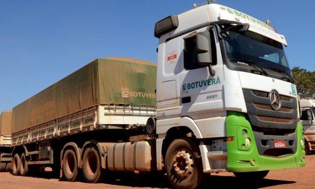 Caminhões Actros e Atego são atrações  em evento agropecuário no Espírito Santo