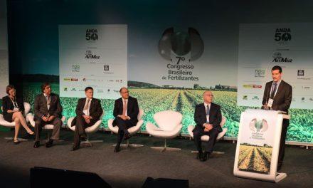 Demanda por fertilizantes no mundo deve chegar a 200 milhões de toneladas em 2021/2022, segundo dados da IFA