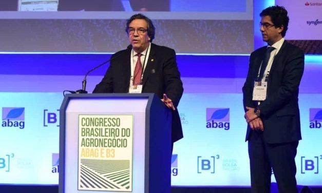 Congresso Brasileiro do Agronegócio debateu formas do Brasil se adaptar ao cenário mundial marcado por uma guerra comercial