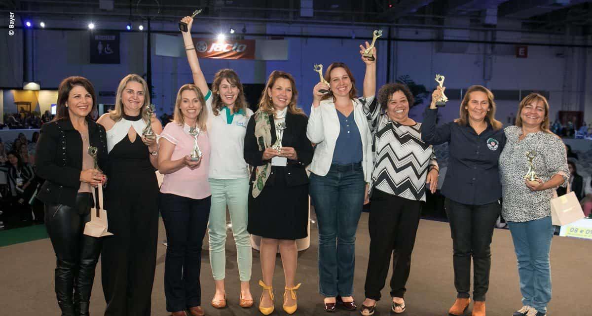 Nove vencedoras sobem ao palco do 1º Prêmio Mulheres do Agro em São Paulo