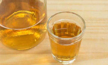 Brasileiros aderem à prática da destilação de bebidas em casa