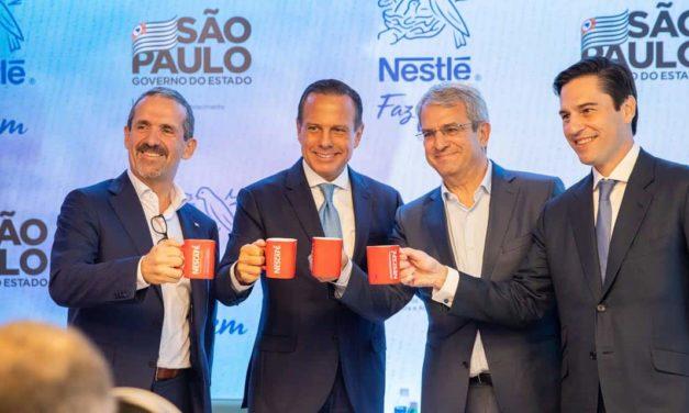 Governo paulista faz parceria com a Nestlé para criação de embalagens sustentáveis e ampliação do agronegócio