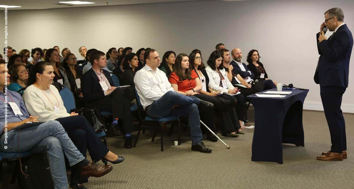 Simpósio Bem-estar Animal: uma estratégia de negócio sustentável reúne 150 profissionais da indústria alimentícia da América Latina