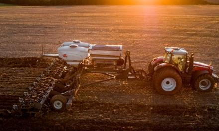 Massey Ferguson apresenta a mais nova plantadeira Momentum, agora na versão Sementes & Fertilizante