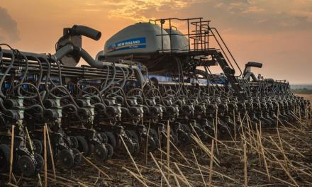 New Holland lança plantadeira e pulverizador com foco em aumento da produtividade