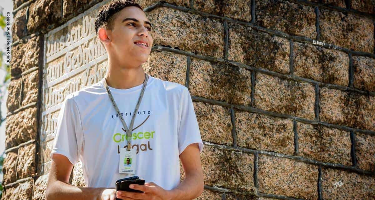 Instituto Crescer Legal apresenta jovens aprendizes nas redes sociais