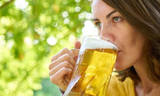 Dia da cerveja: apesar de ainda sofrerem preconceito, mulheres estão cada vez mais conquistando espaço no meio cervejeiro