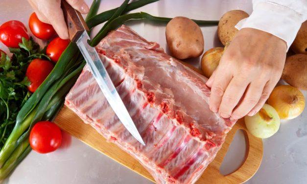 Vendas online de carne suína registram alta de 150% nos e-commerces do Extra e Pão de Açúcar