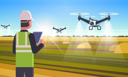Drones pulverizadores revolucionam agricultura ao reduzir custos na aplicação de insumos em até 50%